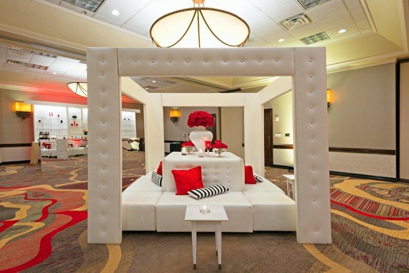 Crowne plaza dallas near galleria addison addison tx for Addison salon suites