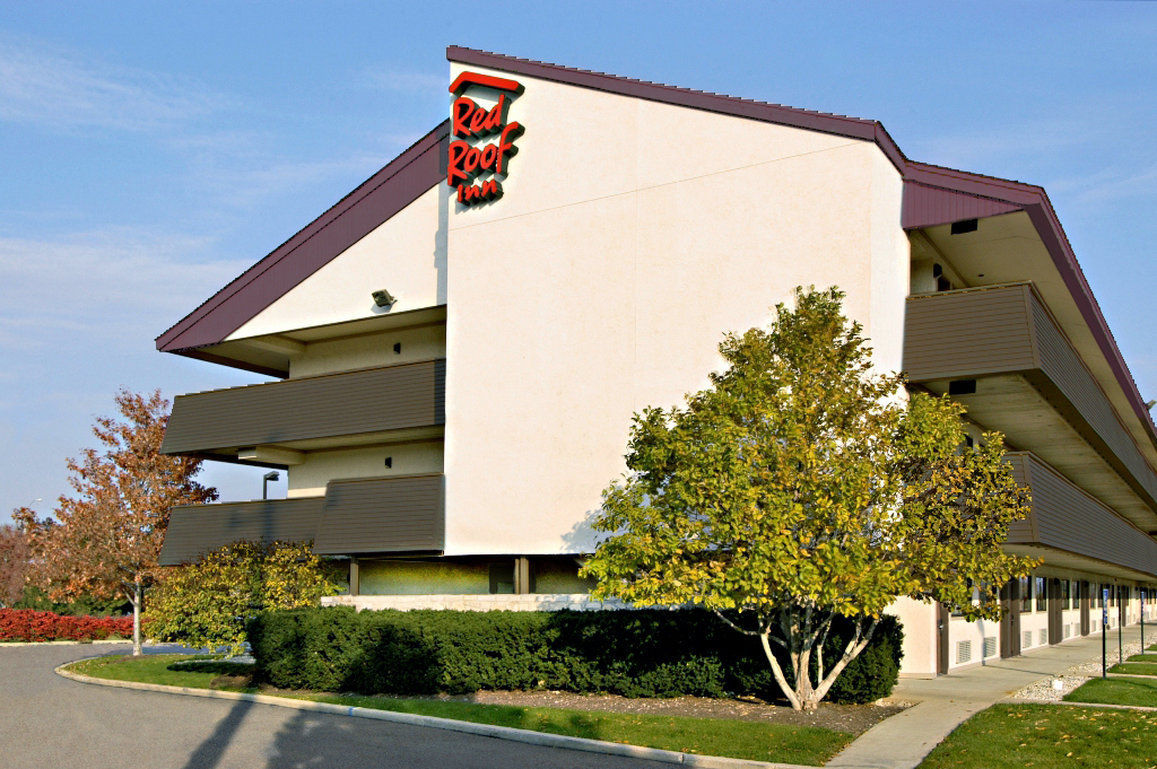 Red Roof Inn Asheville West 16 Crowell Road, Asheville, NC , United States of America – Great location - show map After booking, all of the property's details, including telephone and address, are provided in your booking confirmation and your account/10().