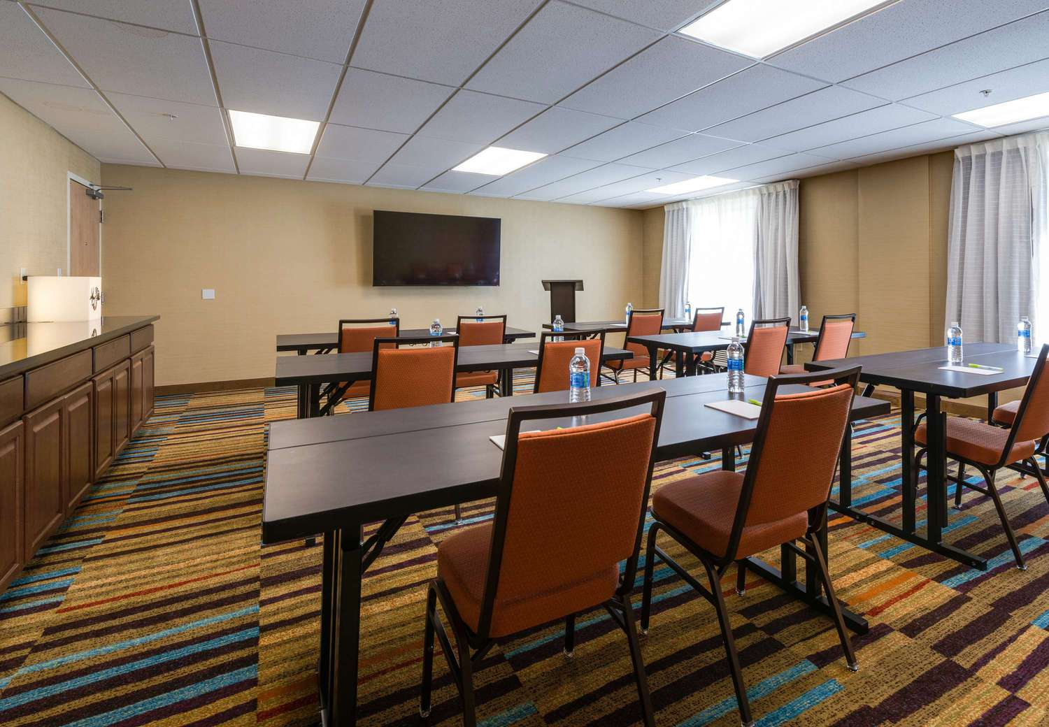 Fairfield inn suites fort myers cape coral fort myers for 7090 cypress terrace fort myers