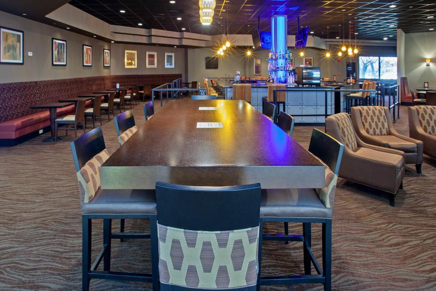 Casino aztar hotel evansville