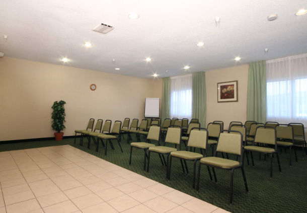 Hotels With Meeting Rooms Near Kokomo Indiana