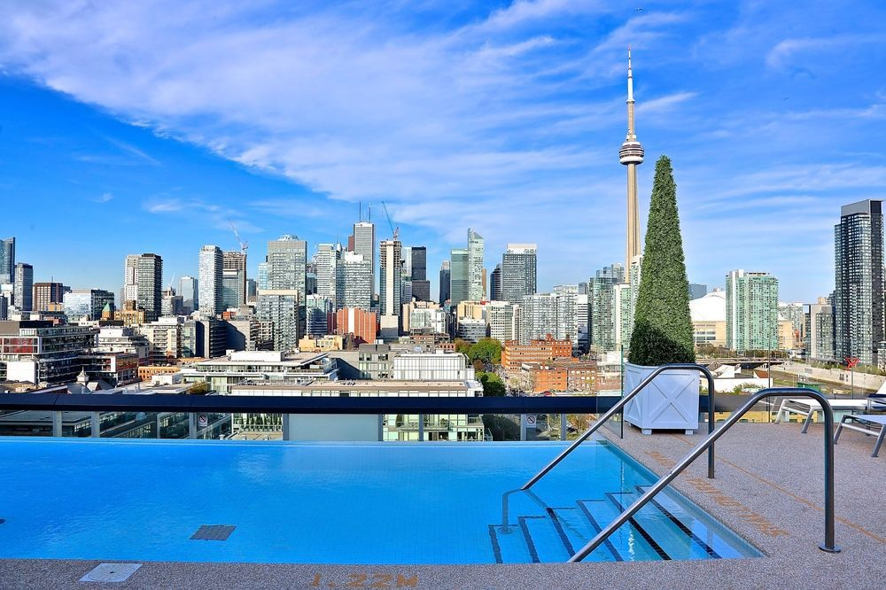Thompson toronto toronto on canada jobs hospitality online for Swimming pools downtown toronto