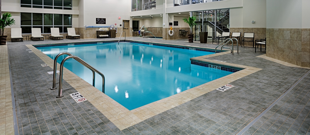 Doubletree by hilton hotel bristol bristol ct jobs Hotels near bristol with swimming pool