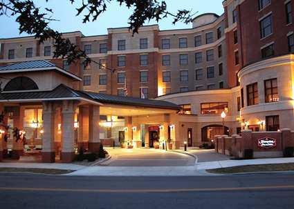 Hampton inn suites saratoga springs downtown saratoga for Saratoga hotel in chicago
