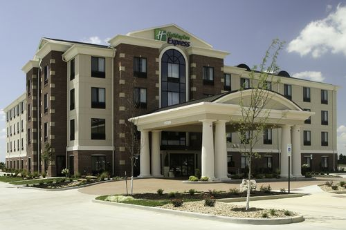Holiday Inn Express Marion Hotels | Budget Hotels in ...