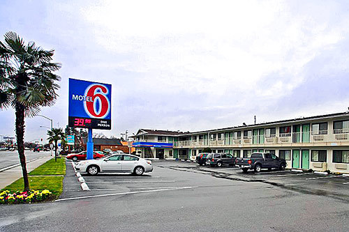 Motel 6 Fresno, CA - Yosemite Hwy in Fresno on narmaformcap.tk and earn Rewards nights. Collect 10 nights get 1 free*. Read 75 genuine guest reviews for Motel 6 Fresno, CA - Yosemite Hwy. Skip to main content. English (United States) Book online or call /5(75).