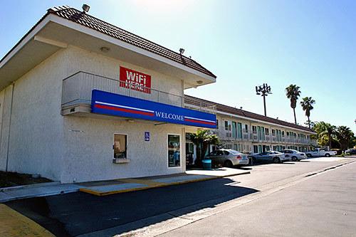 motel 6 costa mesa costa mesa ca jobs hospitality online. Black Bedroom Furniture Sets. Home Design Ideas