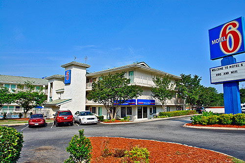 Oct 27,  · Book Motel 6 Columbia West SC, Columbia on TripAdvisor: See 39 traveler reviews, 71 candid photos, and great deals for Motel 6 Columbia West SC, ranked #90 of 98 hotels in Columbia and rated 2 of 5 at TripAdvisor.2/5(38).
