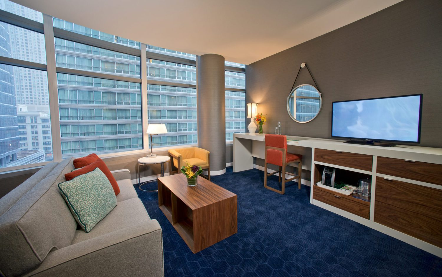 Kinzie hotel chicago il jobs hospitality online for Hotels 60657