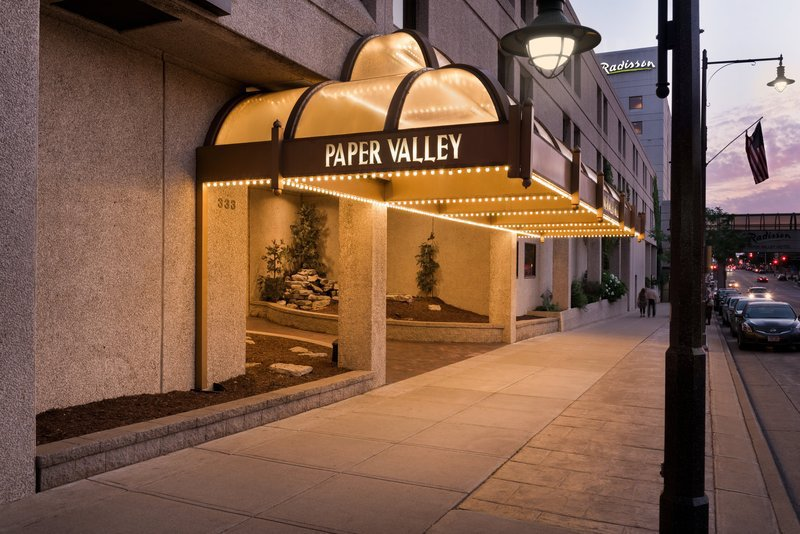 paper valley hotel appleton Radisson paper valley hotel is a reception venue in appleton, wi read reviews and contact radisson paper valley hotel directly on the knot.