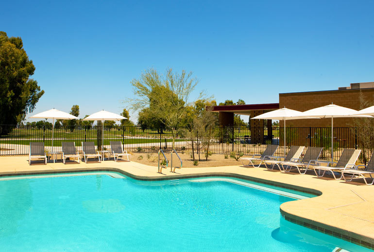 Four points by sheraton at phoenix mesa gateway airport for Indoor swimming pools in mesa az