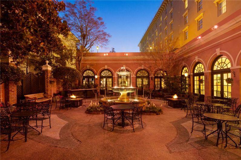 Charleston House Hotel