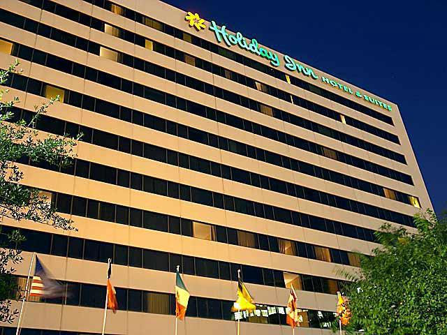 Holiday Inn Hotel Suites Houston Medical Center 10735 L