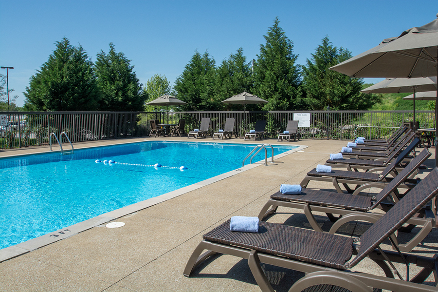 Hotel preston nashville tn jobs hospitality online - Preston hotels with swimming pool ...