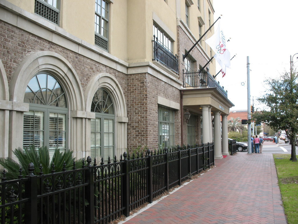 jobs at hampton inn  u0026 suites savannah historic district