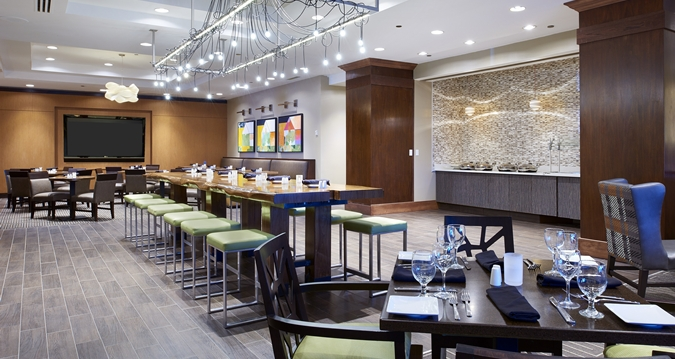 Hilton minneapolis st paul airport mall of america bloomington mn jobs hospitality online - Blue water bar and grill ...