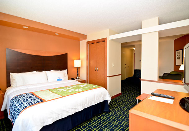 jobs at fairfield inn suites new bedford new bedford. Black Bedroom Furniture Sets. Home Design Ideas