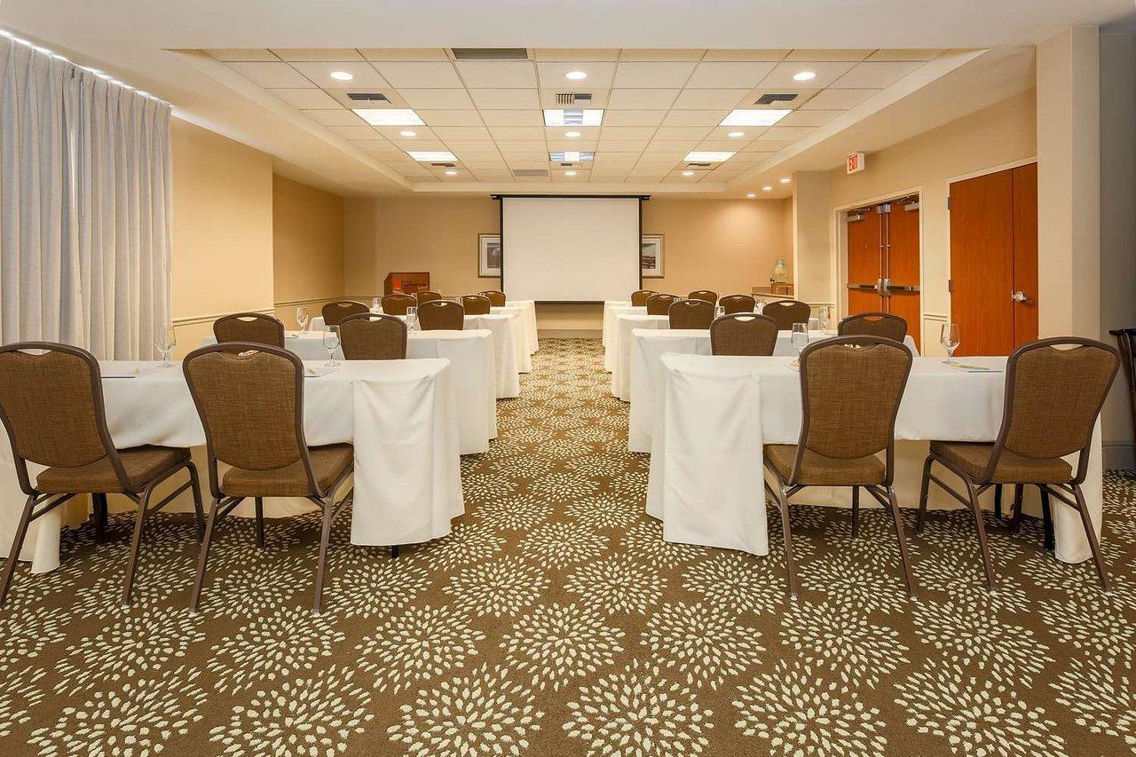 Employer Profile Hilton Garden Inn Bakersfield Bakersfield Ca Interstate Hotels Resorts
