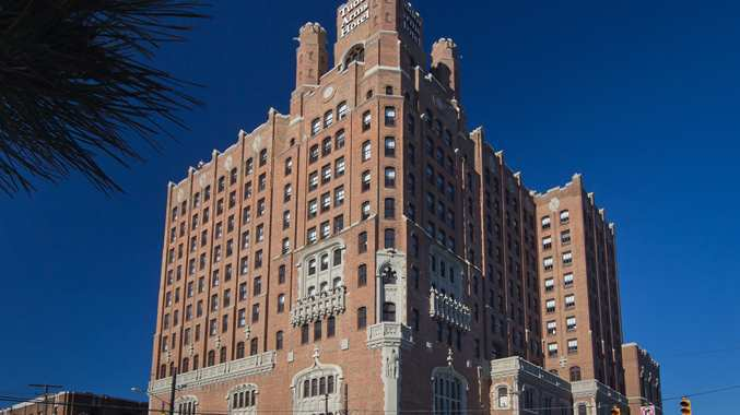 Doubletree By Hilton The Tudor Arms Hotel Cleveland Oh