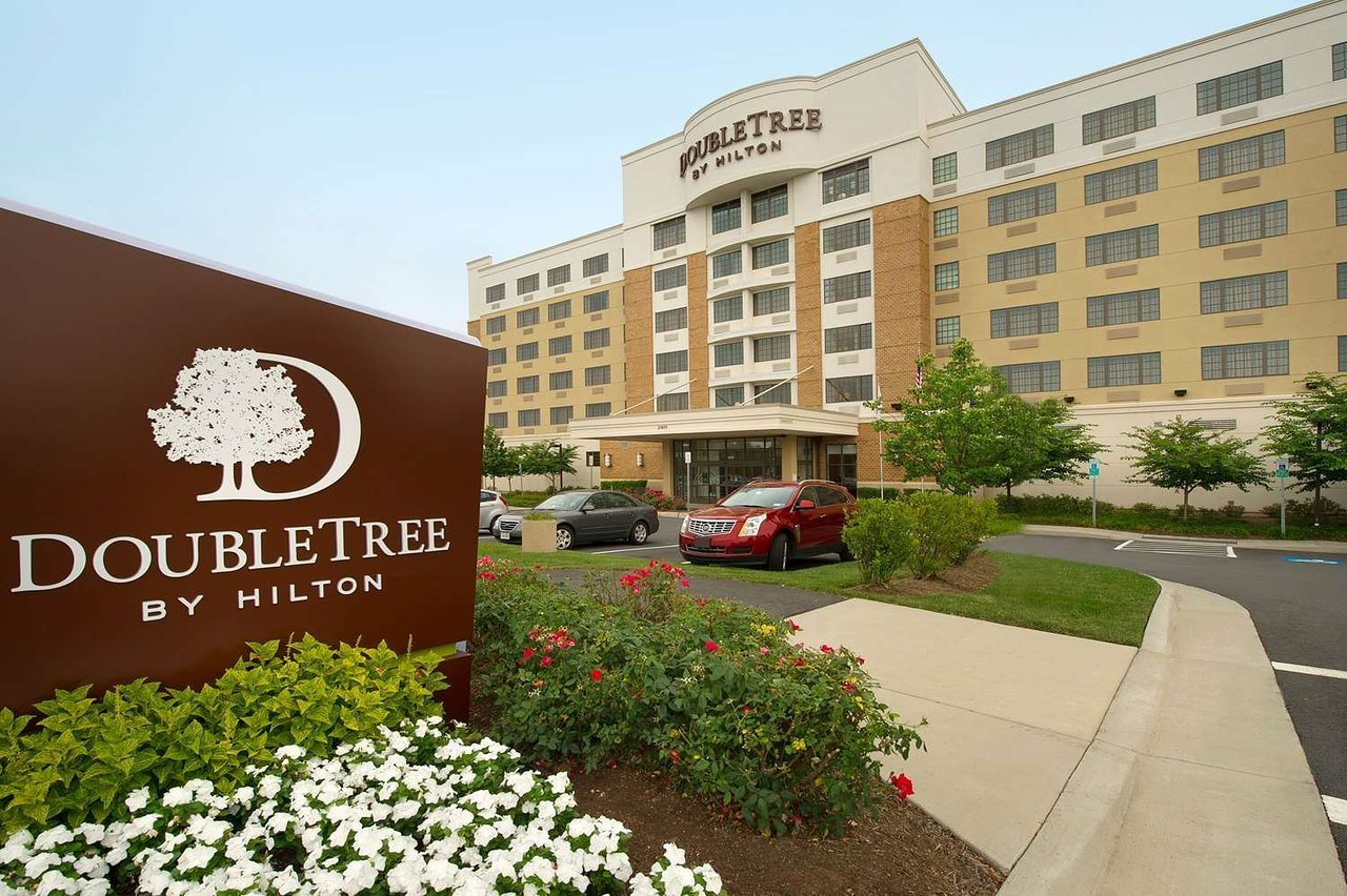 doubletree by hilton hotel sterling dulles airport. Black Bedroom Furniture Sets. Home Design Ideas