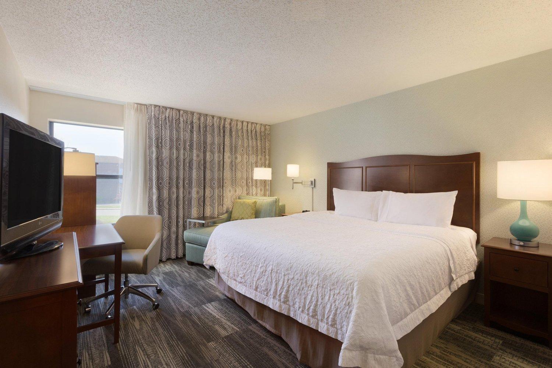 hampton inn zanesville zanesville oh jobs hospitality. Black Bedroom Furniture Sets. Home Design Ideas