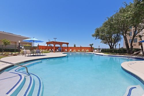Holiday inn bedford dfw airport area west bedford tx for Holiday inn near texas motor speedway
