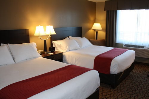 Eau Claire Wi Hotel With In Room Whirlpool