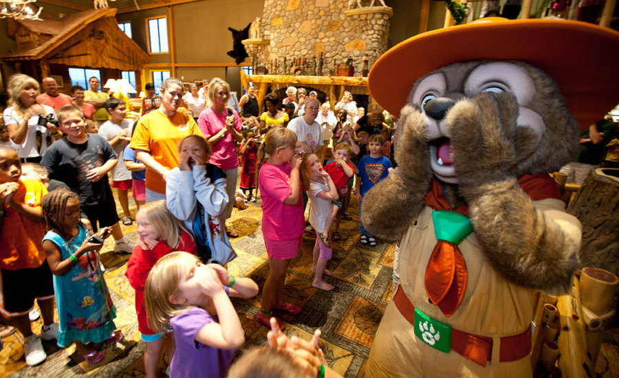 Great Wolf Lodge Exclusive rates for Edvantage members! Your Great Wolf Lodge resort adventure begins in our massive, degree indoor water park, packed with thrill rides, water slides and splashin' fun for the little ones.