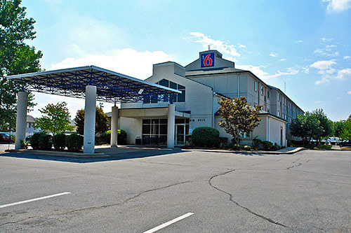 jobs at motel 6 springfield il springfield il. Black Bedroom Furniture Sets. Home Design Ideas