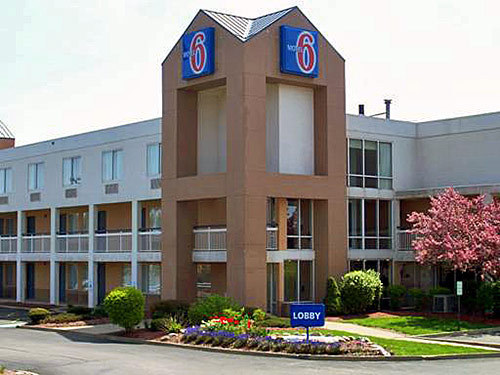 Jobs At Motel 6 Cleveland Willoughby Willoughby Oh Hospitality