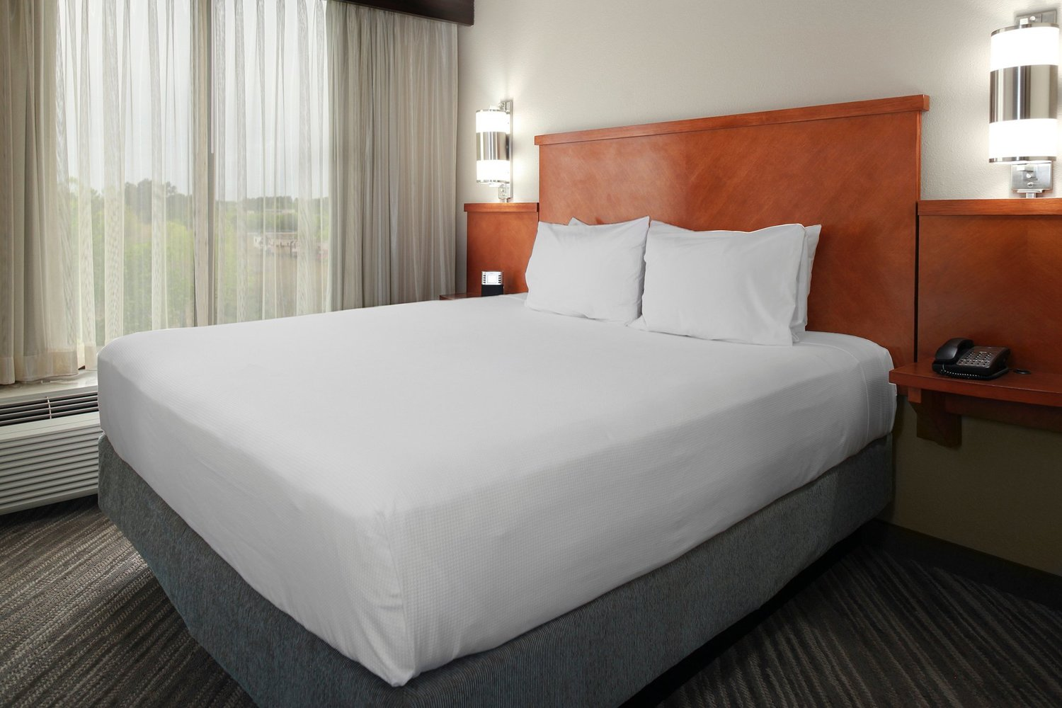gallery host at hyatt place charlotte airport tyvola road