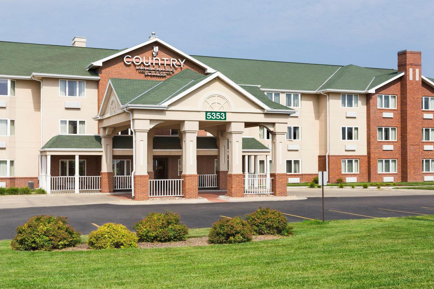 for extended castleton indianapolis lincoln america in hotels hotel stay coupons ne indiana
