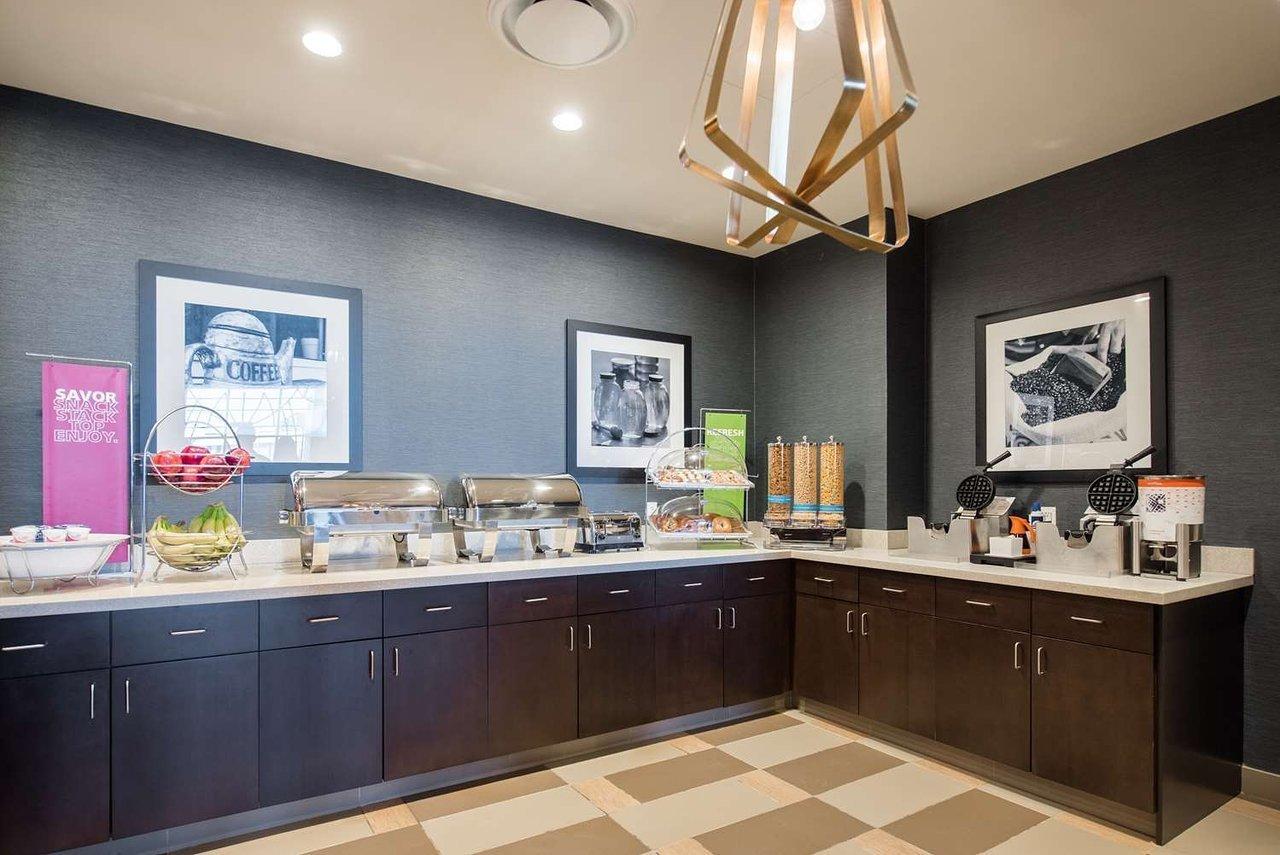 Hampton Inn Amp Suites Washington Dc Navy Yard Washington