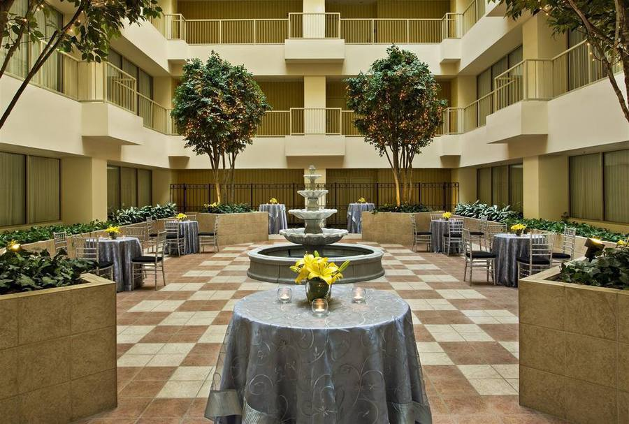 St louis city center hotel suites st louis mo jobs hospitality online for 400 garden city plaza