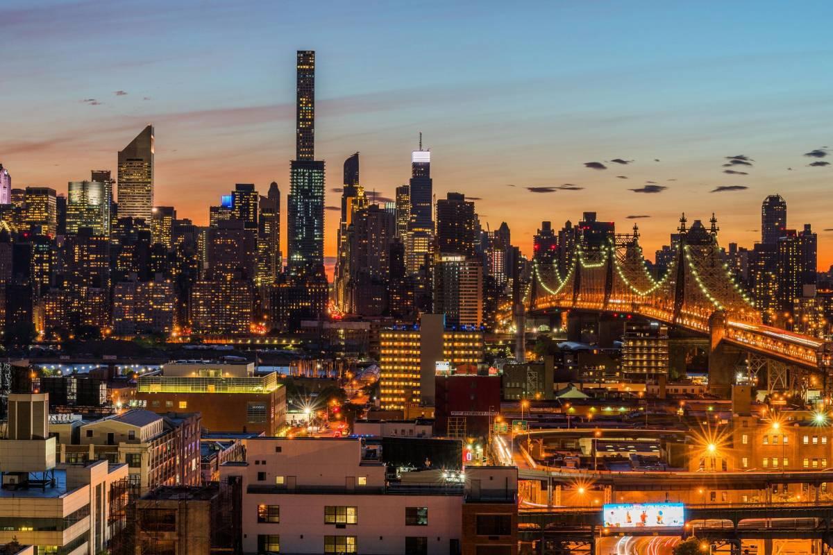 Aloft Long Island City Manhattan View Long Island City