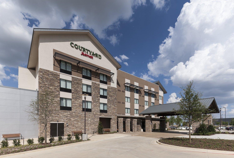 Courtyard By Marriott Hotel Fort Worth Southwest