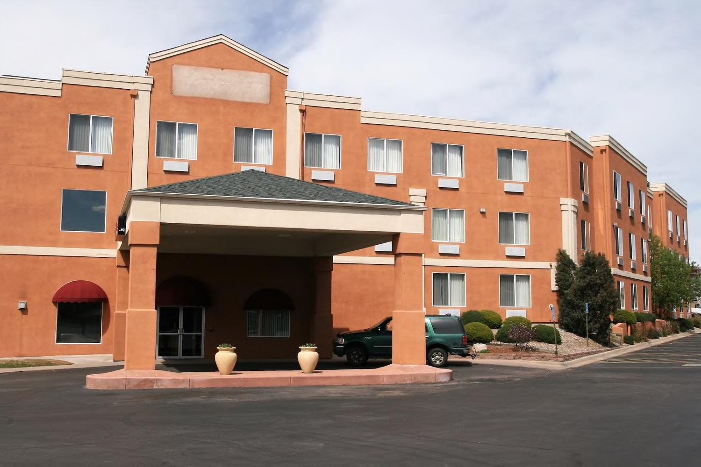 Baymont Inn & Suites Colorado Springs, Colorado Springs, CO