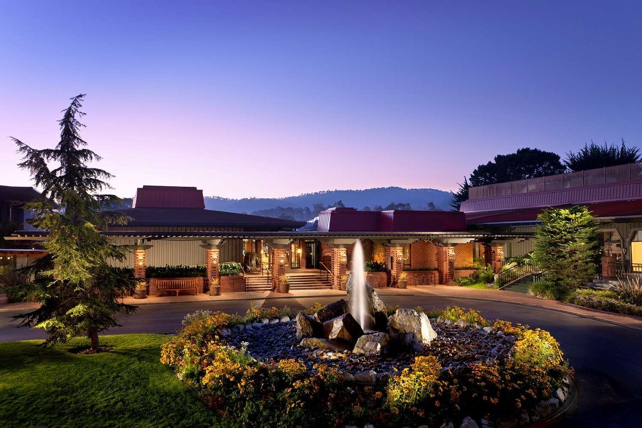 Assistant Outlets Manager Job | Hyatt Regency Monterey Hotel and Spa ...