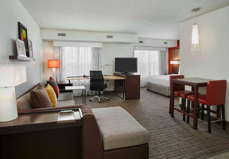 Crystal Inn Hotel Suites Auburn Mi