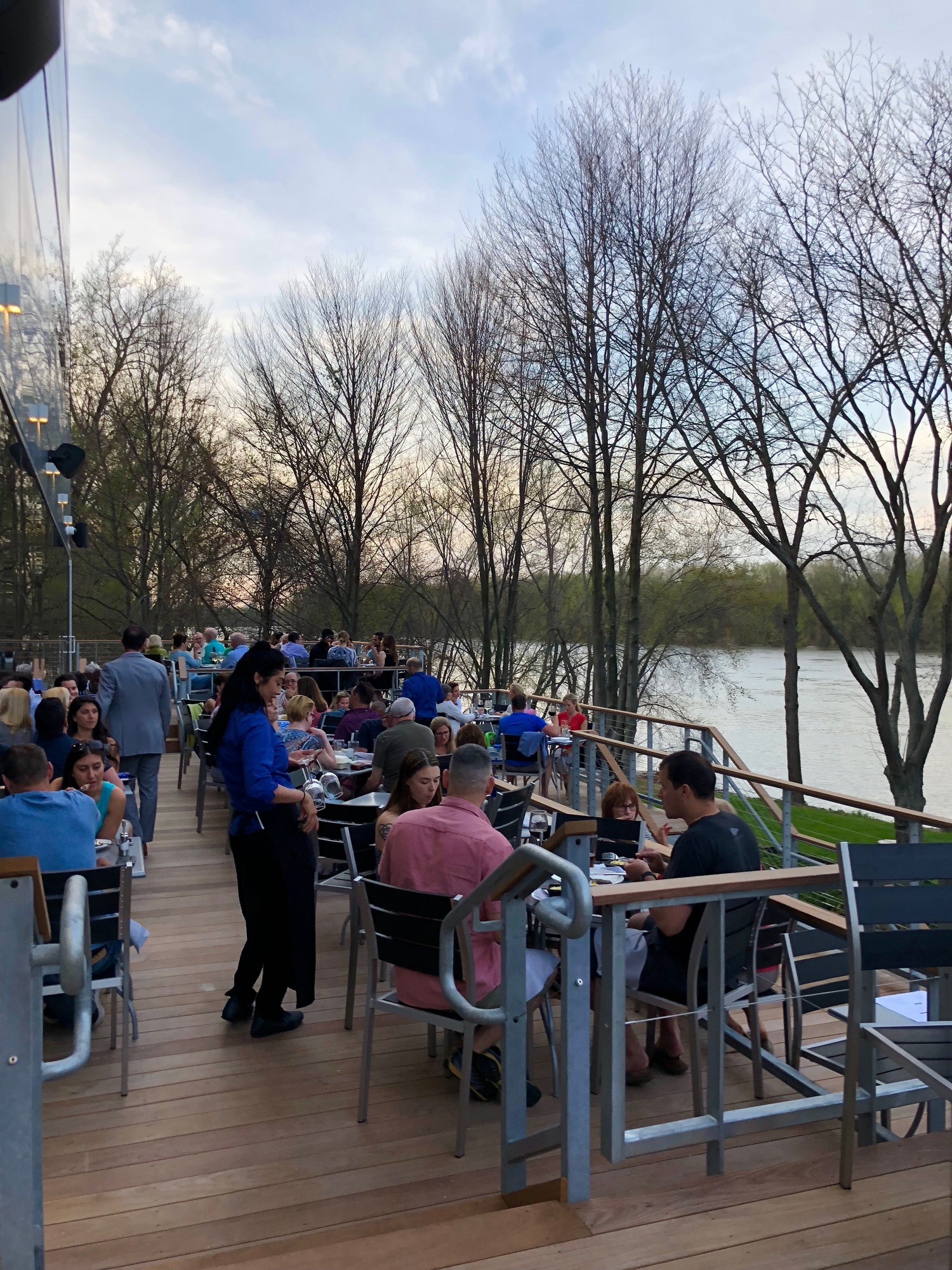 River A Waterfront Restaurant Amp Bar Wethersfield Ct