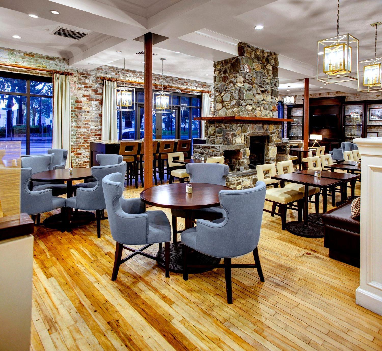 staybridge suites savannah historic district savannah ga. Black Bedroom Furniture Sets. Home Design Ideas