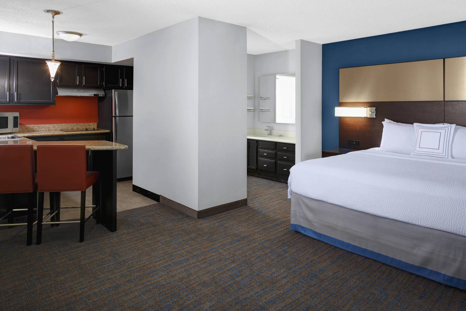 Rejuvenate for the next day with our fully equipped kitchen and new, luxurious Marriott bedding.