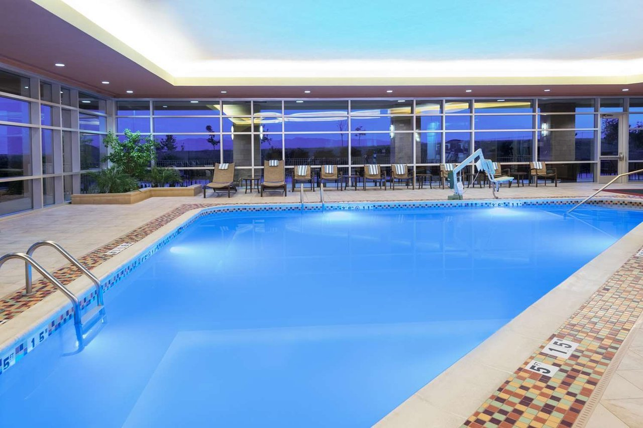 Embassy Suites by Hilton Loveland Hotel Conference Center ...