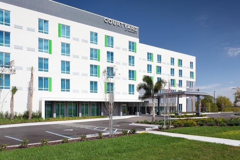 820332 l - Courtyard Marriott Cypress Gardens Blvd Winter Haven Fl